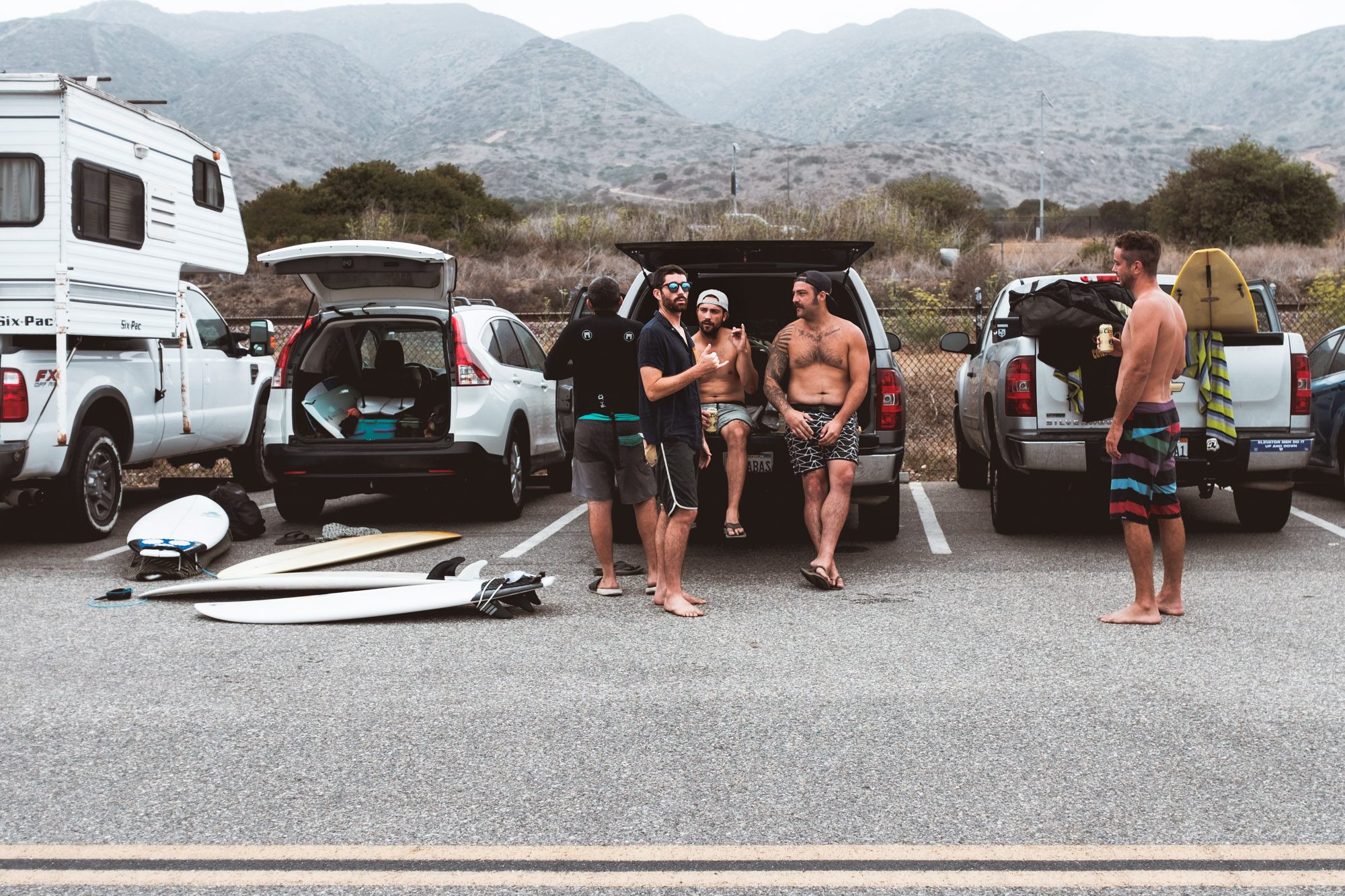 group-surfing-san-onofre